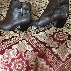 Women's Brown Ankle Booties Size 6